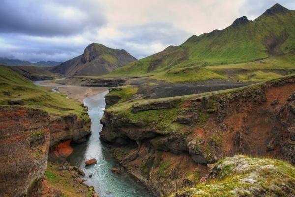 Laugavegurinn:Fimmvörðuháls Pass